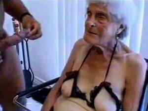 A Velha Avozinha Feia é Fodida Porn