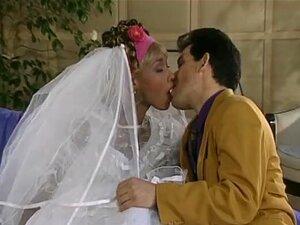 Noiva De ébano Monta Grande Galo Maridos Na Noite De Casamento Porn