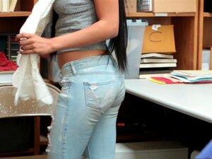Bonnie Grey Vê Maya Bijou A Degolar Um Galo Porn