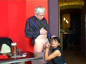 Homem Velho Jovem Menina Ter Diversão Porn