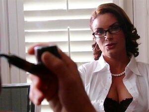 Grandes Mamas Na Escola: O Sexo-augurais, Diamond Foxx é Um Renomado Professor Que Leva Estudantes De Instigador E Transforma-los Em Seguidos Honrar Os Rolos. Como, Você Pergunta? Fodendo Até Eles Obedecem, E Transformando Uma Sala De Aula Regular Em Um L Porn
