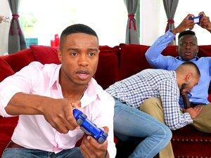 Sexo Gay A Três Na Sala De Estar Com Jogadores Excitados-HD-Jake Waters, Jon Darra, Marcel Eugene Porn