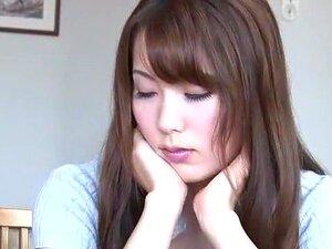 A Fabulosa Miúda Japonesa Yui Hatano Com O Melhor Broche, O Vídeo Da Cunnilingus JAV. Porn
