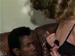 Dos Maduras Comparten GRAN Amante Negro, Tremendas Maduras Desesperadas Por El Negro. Porn