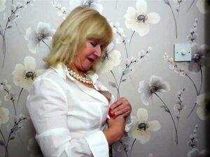 Dona De Casa Britânica Emily Jane Fingering Porn