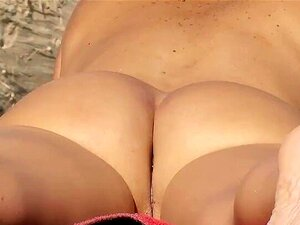 Nudez Nude Voyeur De Praia Vídeo De Duas Morenas Quentes Junto Ao Mar Porn