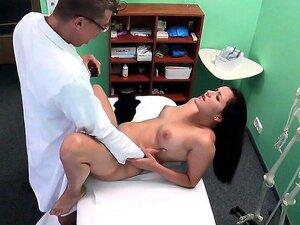 Médico Com Pau Grande Fode Paciente Bonito Porn