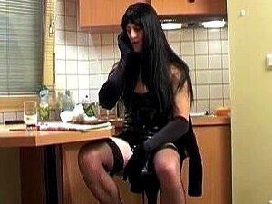 Francês Amante Dela Quente Submisso Escravo Masculino, Amante Cruel Dominando Seu Escravo Masculino Francês Pobre Como Ela Mete Um Vibrador No Rabo Depois Dobra-lo No Chão, Porra Porn