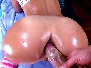 Kelsi Monroe Leva Crua E Profunda No Seu Buraco Do Cu Suculento Porn