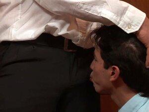 Vídeo De RaunchyTwinks: James Ryan Encontra A Polícia, James Ryan Apenas Se Meteu Em Problemas Com A Lei. Vejam Como O Gay Perverso Sobrevive A Uma Vigarice Desprezível De Um Pai Polícia Muito Excitado. Neste Vídeo Hardcore Espetacular, O Grande Galo Da L Porn