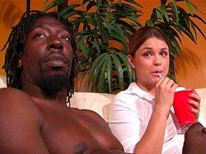 Katie Thomas Está Apaixonada Por Um Negro, Mas Não Por Causa Da Pila Dele. Katie Thomas,Byron Long. Porn