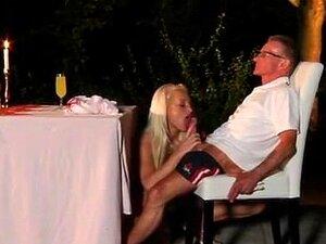 O Velho Fode A Estrela Porno E O Adolescente Nojento Porn