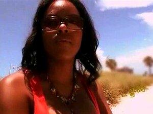 Auspicioso Hottie ébano Afro Humped Porn