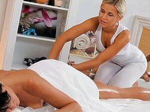 Quartos - Modelo Elegante Com Pernas Longas Da Massagem Porn