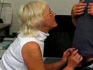 Mãe Velha Louca Fodida E Oral Porn