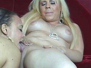 Monet E Hollie - Encontro De Lésbicas Linda Buceta Porn