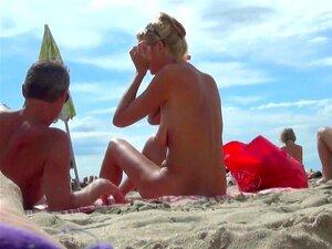 Nudista 1 Beach Agde Baie Des Cochons Incredible, Strand Playa Praia Plage Voyeur Hidden Heimlich Ohne Spy Caught Nude Sex Swinger French Porn