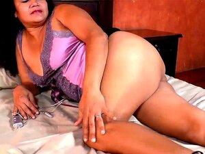 A Sharon Madura E LatinChili A Masturbar-Se. A Velha Avó Latina Madura Está A Brincar E A Apalpar-lhe A Rata Peluda. Porn