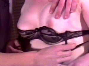 Retro Avó Anal. A Avózinha De Meias Lixa-lhe O Cu. Porn