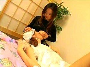 A Adolescente Japonesa Em Idade Legal A Amamentar Peitos De Leite, A Adolescente Japonesa Em Idade Legal A Amamentar. Porn
