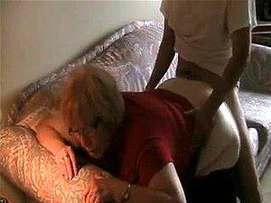 Velha Mãe Fodida Pelo Namorado Porn