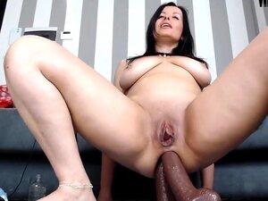 Empregada Desarrumada De XMissMoxxiX, Porn