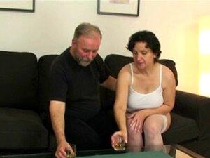 Casal De Velhos Convidá-lo Para Ménage à Trois Porn