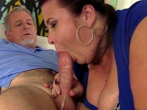 Lady Lynn No Big Titted Maduro Bbw Senhora Lynn Obtém Sua Buceta Perfurados - JeffsModels, Um Cara Mais Velho Obtém Seu Pau Sugado Por Cougar Rechonchuda E Depois Fode A Boceta Difícil Em Posições Diferentes. Ele Cums Na Boca No Clímax. Porn