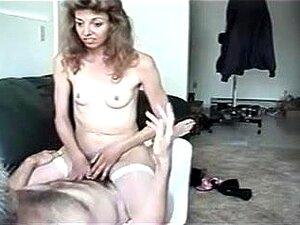 Mulher Feia Com Petite Marangos Parafusado, Sua Posição Tremendamente Valiosa é Estilo Cachorrinho Mas Esta Querida Amo Cada Merda Que é Feita Por Trás Porn