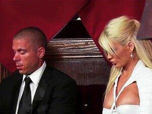O Clube Do Inferno é O Melhor Lugar Para Encontrar Prostitutas De Alta Classe Porn
