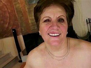 Mãe Com Corpo Flácido, Peitos Caídos, Amp Boceta Peluda; Cara Porn