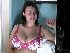 Destina Peluda No Chuveiro, Porn