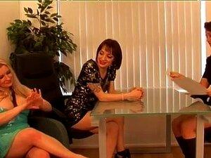 Grupo De Mulheres Cfnm Puxam E Chupam Porn