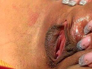 Adolescente De 18 Anos Velho Brinquedos Sua Vulva Porn