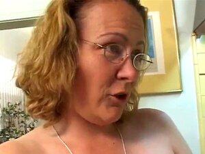 Mãe Joga Com A Amiga Da Filha Porn