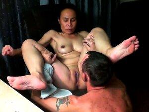 A Mulher Asiática é Lambida Até Ao Orgasmo Porn