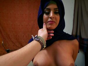Mulher De Refugiados árabes Obtém O D E Ama-lo Porn