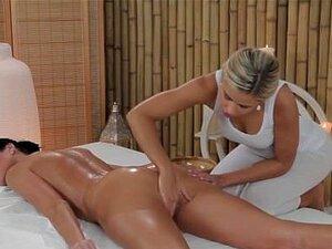 Lola E Penelope A Divertir-se Com Massagem Porn