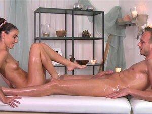 Massagem Quartos Handjob Leva A Fucking Hardcore E Intenso Orgasmo Porn
