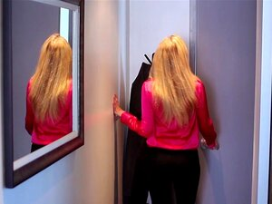 HD - PureMature Julia Ann Ensina Elaina Raye Para Foder Como Um Profissional Porn