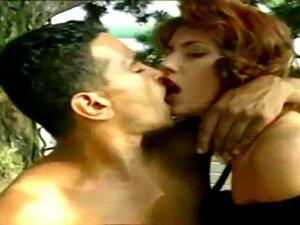 Elegante Simona Valli Outdoor DP # 02, Porn