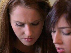 Lésbicas Experientes Compartilha Buceta Peluda Com Namorada Adolescente Peituda, Porn