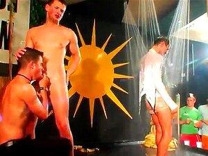 Festa De Sexo Gay Da Polícia Muito Divertido Colégio Cheio De Testosterona Porn