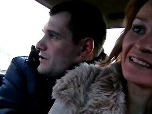 MILF Traindo Marido Com Motorista De Táxi Na Câmera Do Espião, Não Para Assustar Seus Passageiros Lascivos, Que O Taxista Estava Tão Quieto Que Os Caras Que Esquecemos Dele E Relaxado Com Sacanagem Loira Sobrecarregar Seu Parceiro E Cavalgando Ele Estreit Porn
