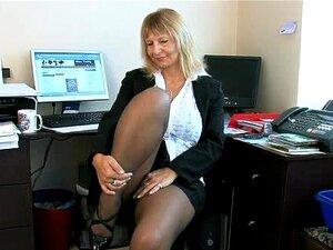 Dona De Casa Secretário Dedilhado Sua Buceta Madura Porn