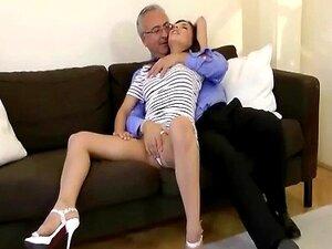 Haves Sênior Velhos Divirta-se Com A Jovem Puta Porn