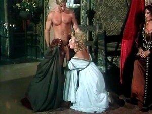 Três Miúdas Medievais Fazem Sexo Com O Rei., Porn