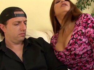 A Sogra Nojenta Dá-lhe O Cu. Porn