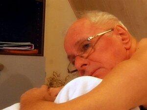 Com 70 Anos Sênior Garota Adolescente De Gracinha Porra Doce Porn