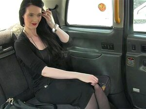 Taxista Inglês Cockriding Amador Em Táxi Porn